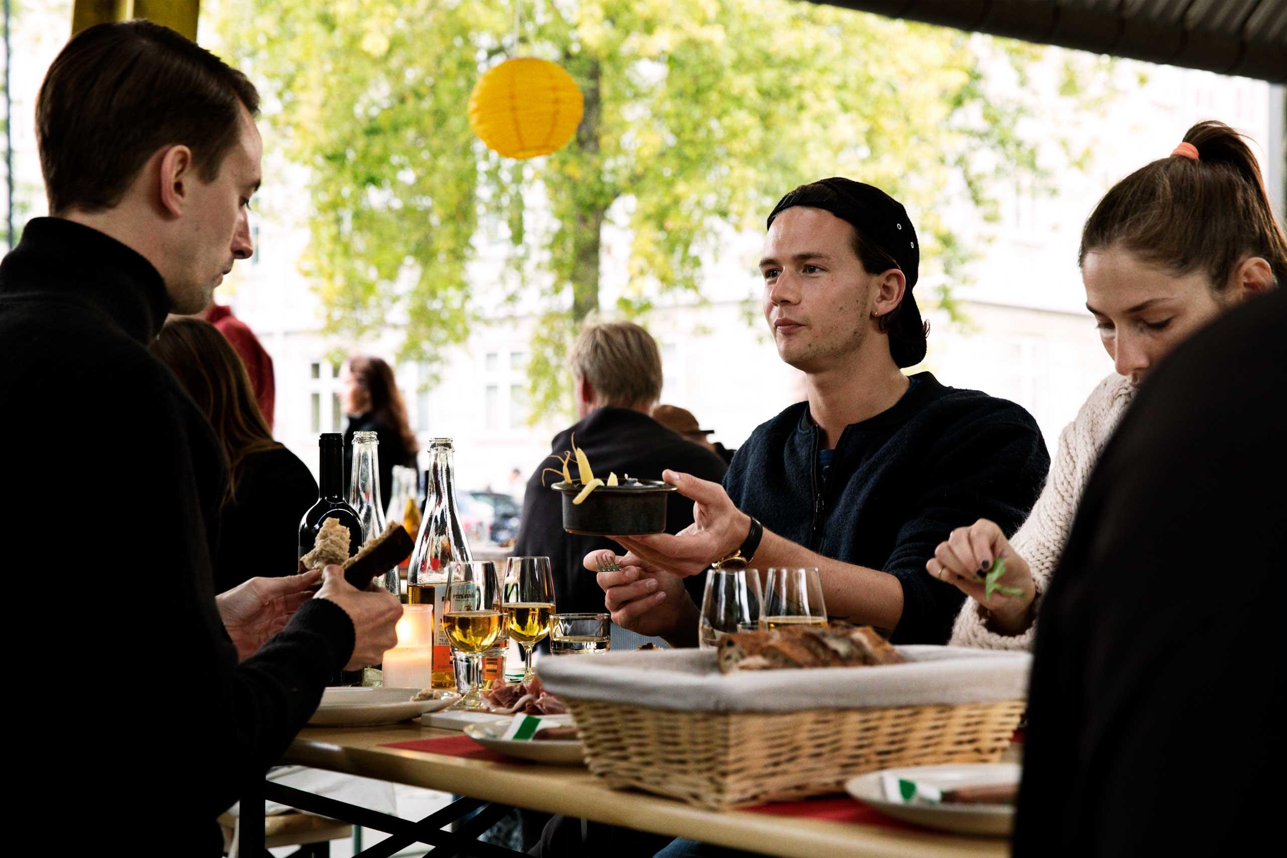 Økologisk mad og vin til fødselsdag, studenterfest og meget mere hos os eller som catering fra Puglisi Events.