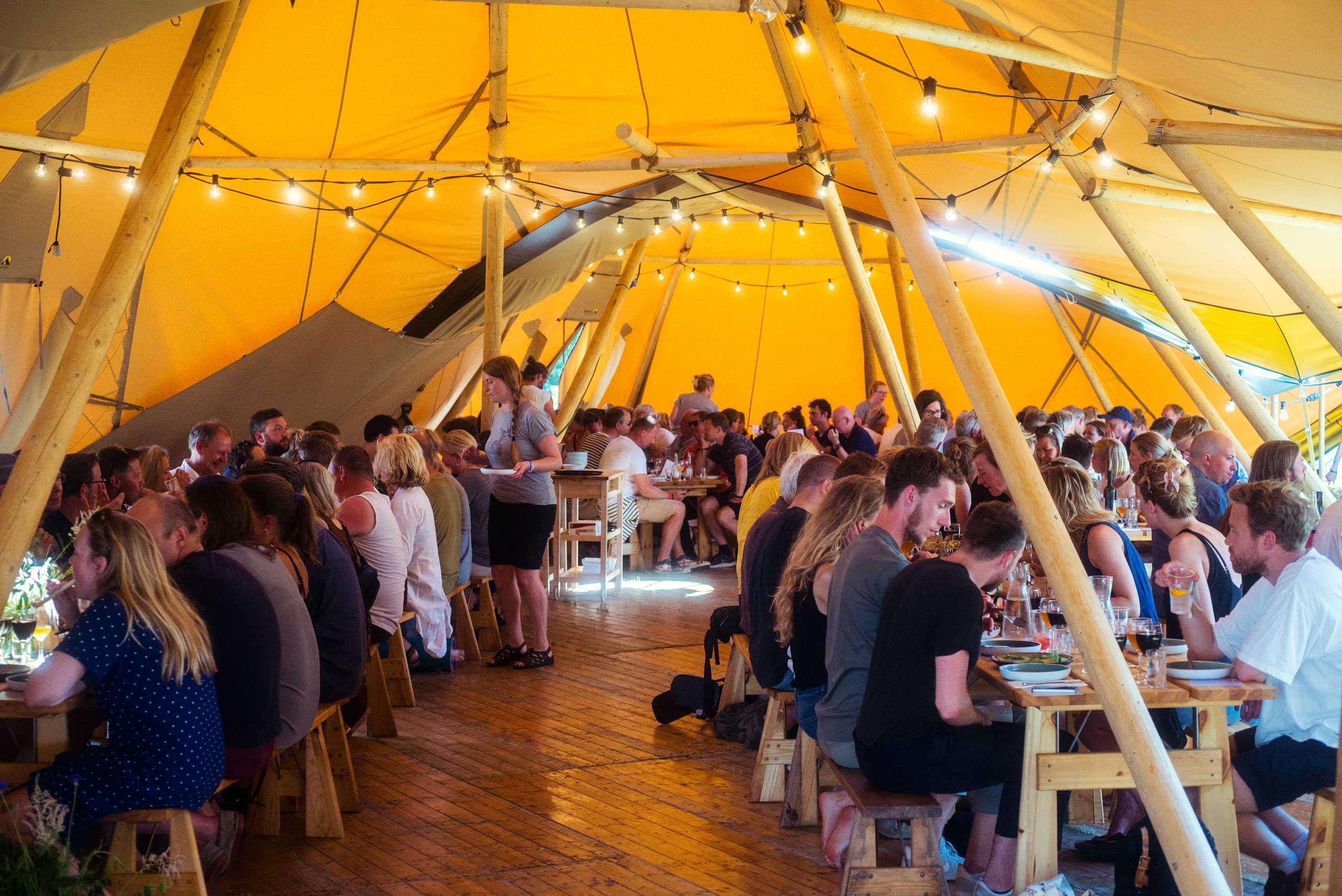 Økologisk mad og vin til konfirmation, barnedåb og meget mere hos os eller som catering fra Puglisi Events.