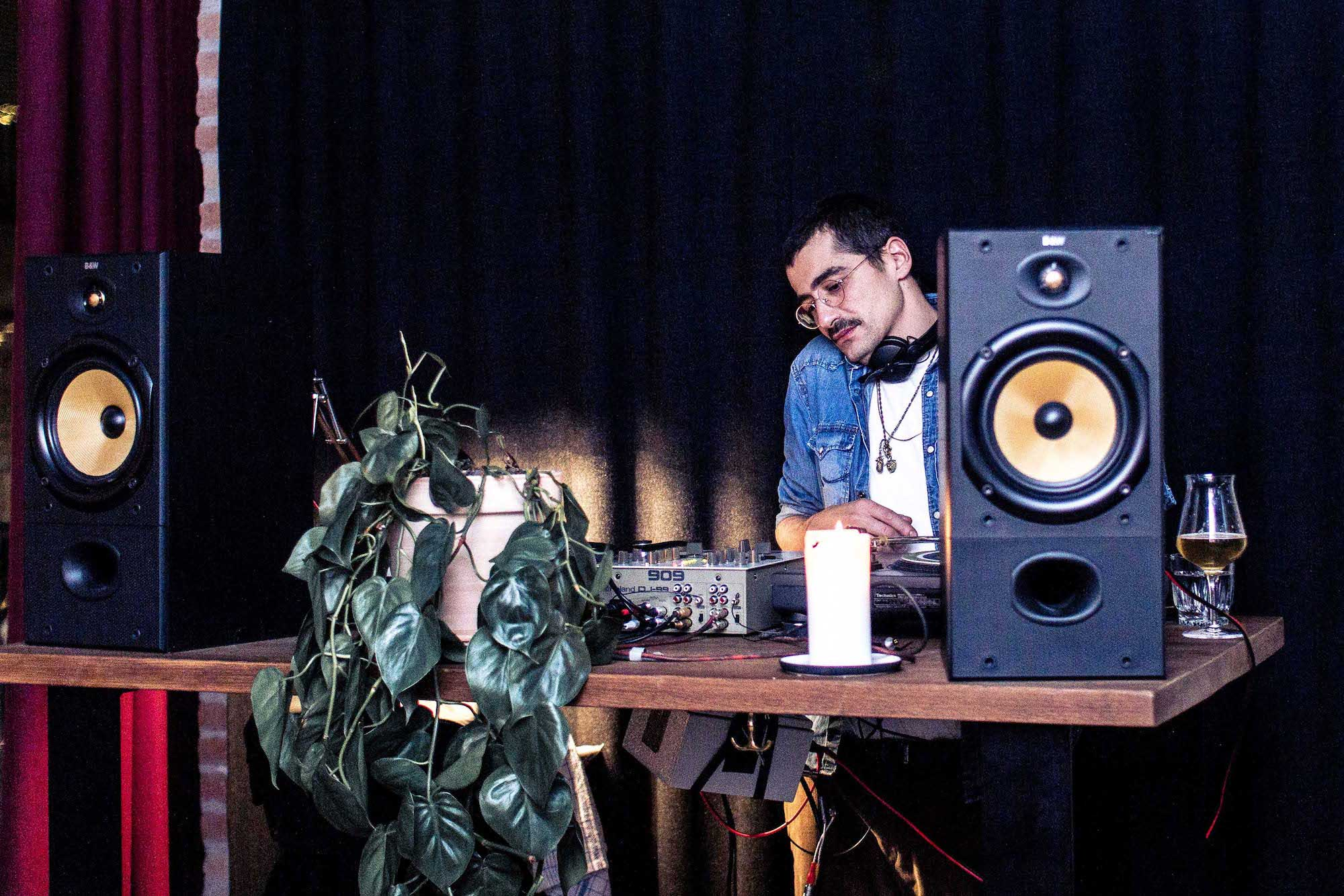DJ og økologisk mad hos os eller som catering til studenterfest og firmafest samt meget andet fra Puglisi Events. Billede af: Rachel Jones.