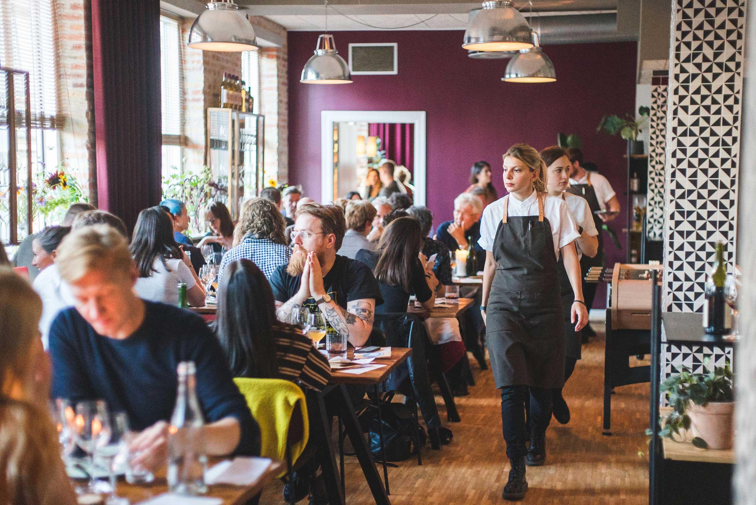 Økologisk mad og vin hos os eller som catering til alle slags selskaber og events fra Puglisi Events. Billede af: Rachel Jones.