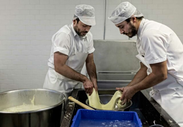 How the Mozzarella Cheese is Made at BÆST